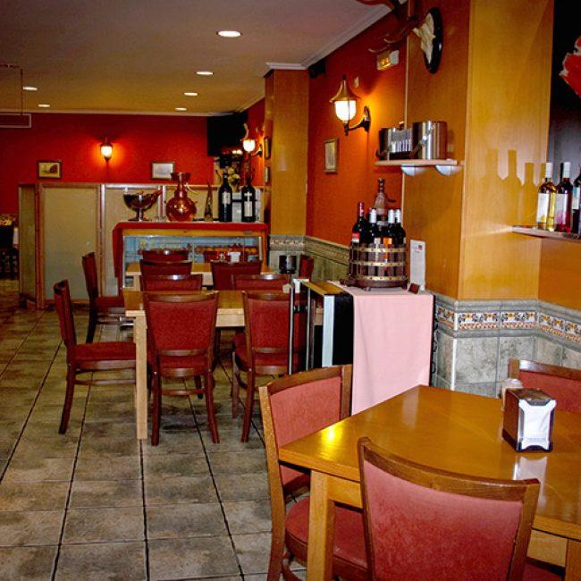 La hostelería en Castilla y León podrá abrir hasta las 12 de la noche